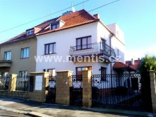Residential house, 280m2, 30m2 with detached garage and large garden, in Prague 6 Liboc.
