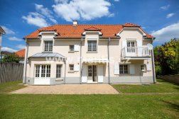 Beautiful 4-bedroom villa, 197m2, with a garage and large garden, Mala Sarka, Prague 6 Nebušice